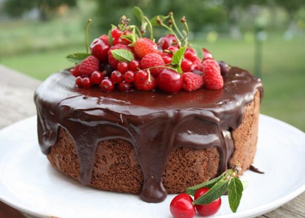 Fantastická čokoládovo - ovocná torta bez múky - recept postup 13