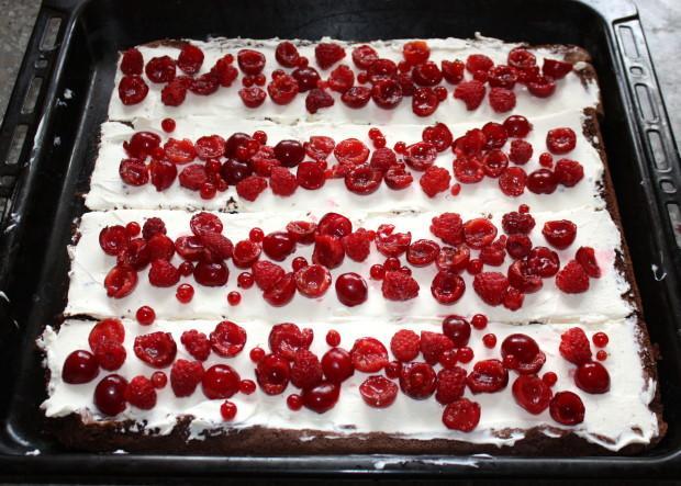 Fantastická čokoládovo - ovocná torta bez múky - recept postup 7