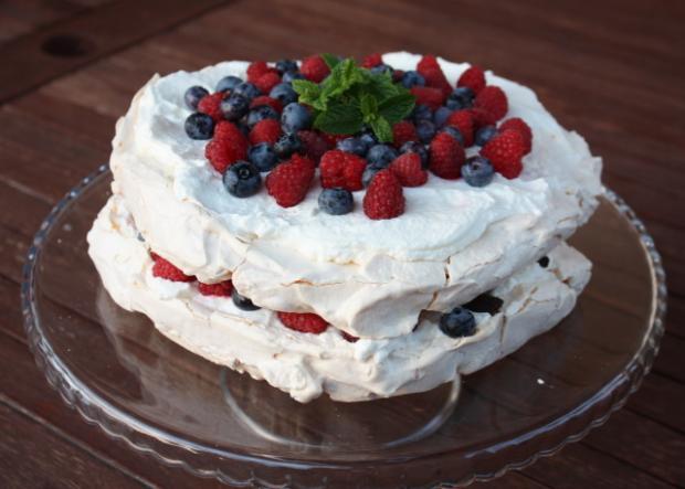 Pavlova torta - recept postup 3