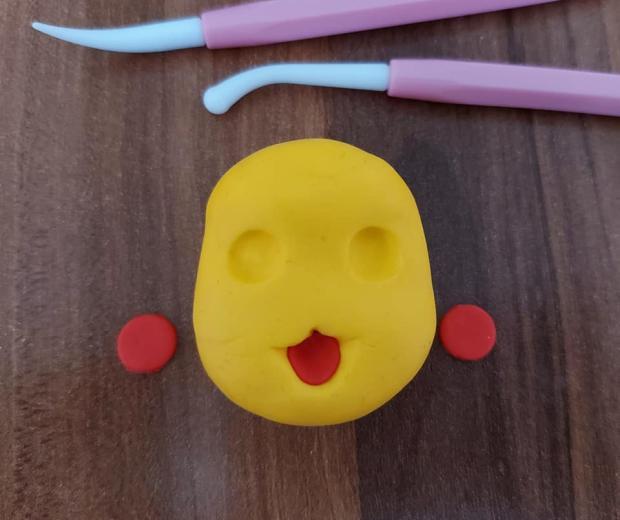 Ako vymodelovať postavičku Pikachu  na tortu 4