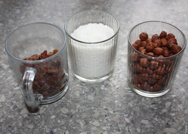 RAW čučoriedková torta - recept postup 1