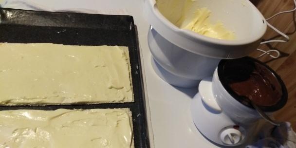 Tortove oblátky plnené sušeným mliekom.  - recept postup 2