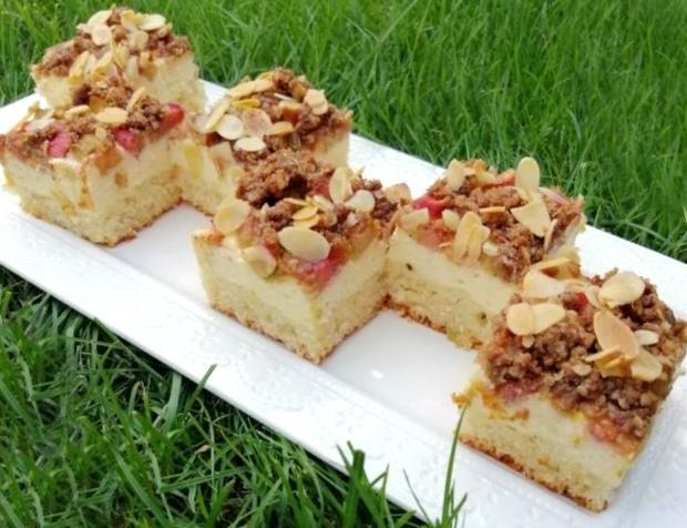 Svieži rebarborový koláč s jogurtom a tvarohom - recept