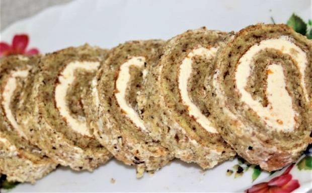 Orechová roláda so salkovou plnkou - recept