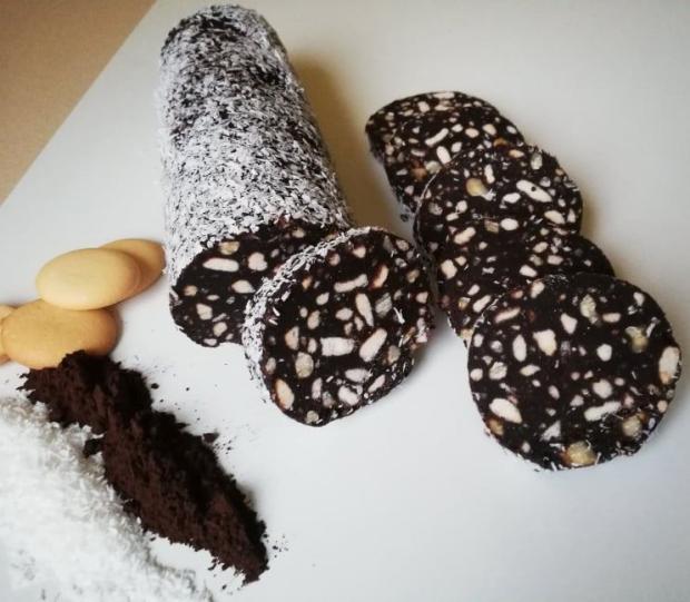 Orechovo kakaová saláma - recept postup 1