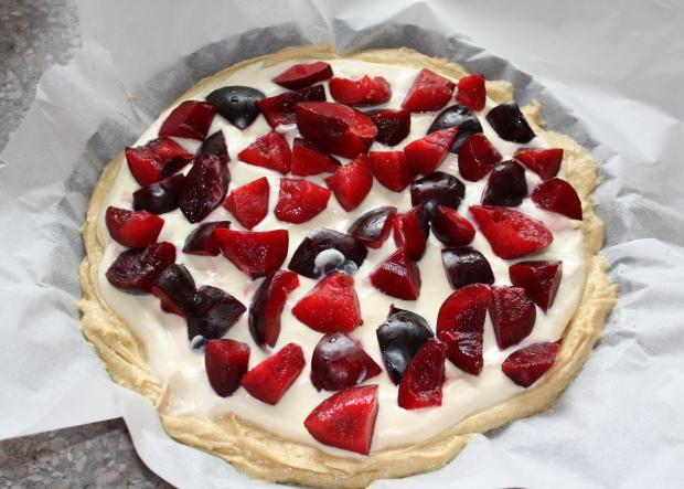 Slivkový koláč s tvarohom - recept postup 5