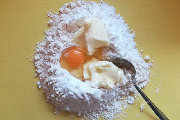Slivkový koláč s makom - recept postup 1