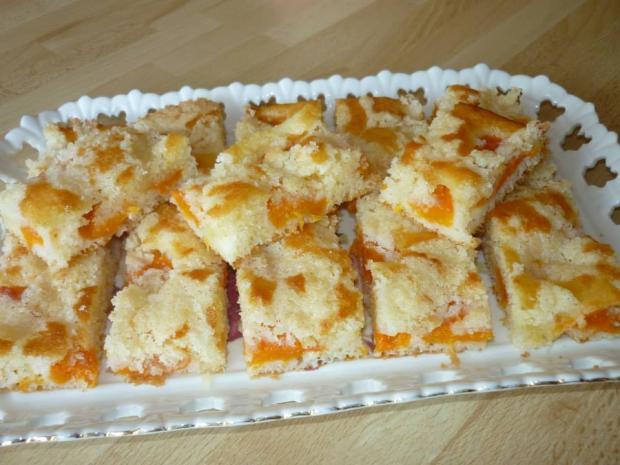 Šťavnatý hrnčekový koláčik s marhuľami - recept