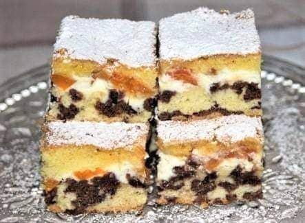 Strakatý koláč s marhuľami a tvarohom - recept