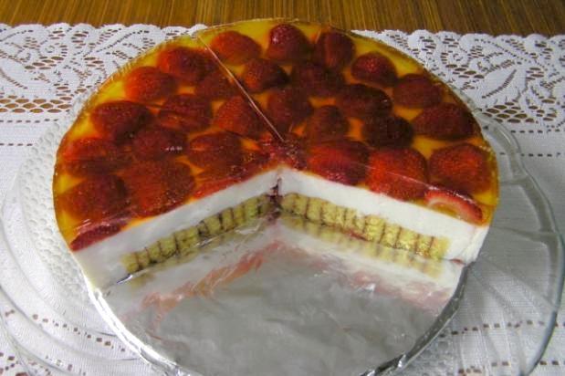 Točená šľahačkovo - jogurtová torta