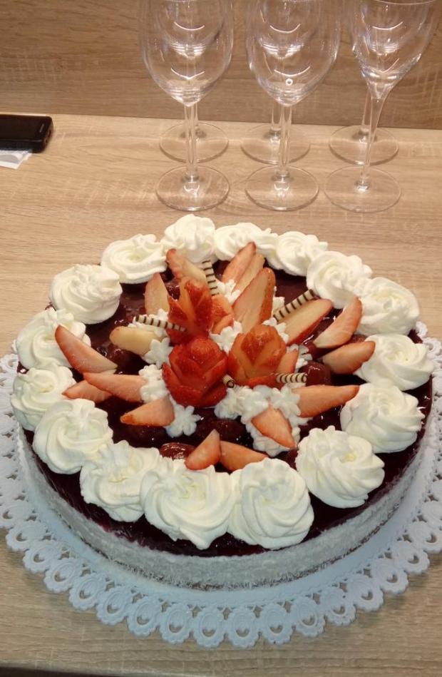Torta s jahodovým želé a šlahačkou - recept postup 1