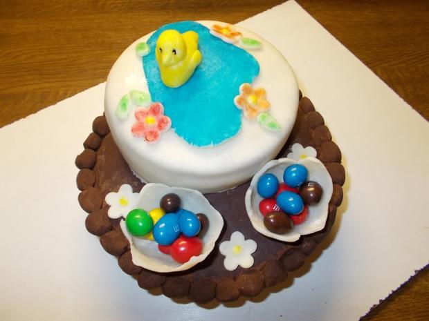 naša prvá veľkonočná tortička 1