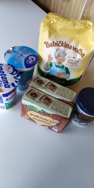 Krehké koláčiky z kyslej smotany.  - recept postup 1