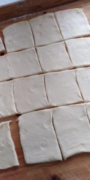 Krehké koláčiky z kyslej smotany.  - recept postup 6