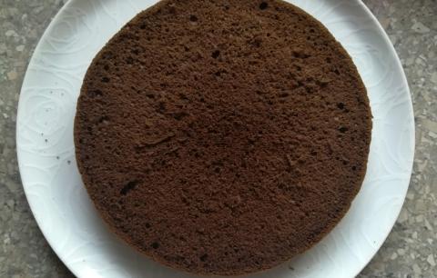 Schwarzwaldská višňová torta - recept postup 6