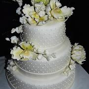 Torta svadobná bodkovaná