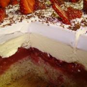Torta Luxusné jahodové kocky alebo rez
