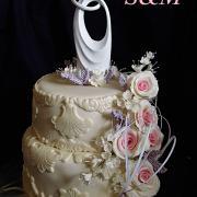 Torta svadobná s ružami a levanduľou...