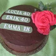 Torta čokoládová torta s ružou