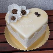 Kávová torta s kávovými kvetmi