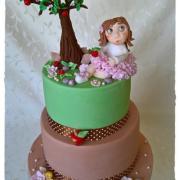 Dievčatko a jej jablkový strom