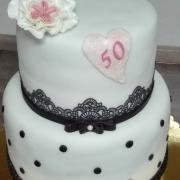 Bielo - čierna torta k 50tke