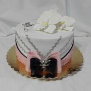 Torta V ružovo bielom