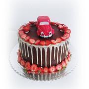 Torta Malé červené autíčko a jahody