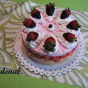 Torta šlehačkový s jahodami