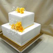 Torta svadobná kocka s malými laliami