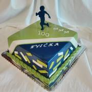 Torta Prekvapenie pre bežkyňu za ubehnutý stý maratón.