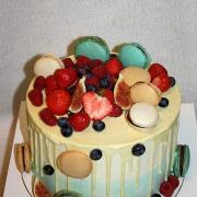Torta Drip torta s bielou čokoládou