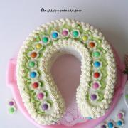 Torta Kokosová podkova pre deti s lentilkami