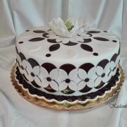 Torta K 60-tym narodeninám pre manželov niečo s mandalovým vzorom a magnóliou...