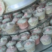 Torta Bielo-ružové svadobné cupcakes