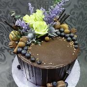 Torta drip tortička so živými ružami