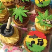 Torta Zdobené mufinky na želanie / trošku do zelena :)