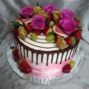 Torta ovocna s ružičkami