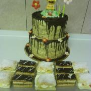 Torta orechová s včielkou Majou