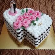 Torta Penová s ružovými ružičkami