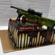 Torta Torta s mirror čoko  a sniperkou