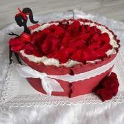 Torta Dievca v cervenom