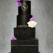 Torta Svadobná torta v čiernom šate :-)