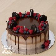 Torta Drip tortička s malinami a čučoriedkami