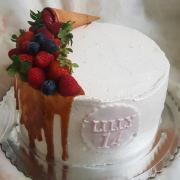 Torta Drip torta so slaným karamelom...