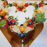 Torta čokoládové srdce s ovocím