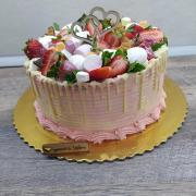 Torta Čučoriedková zdobená s ovocím