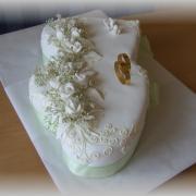 Torta Svadobné dvojsrdce-iný pohľad...