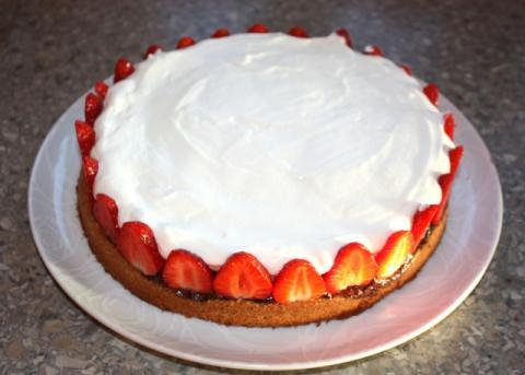 Smotanová torta s jahodami - recept postup 7