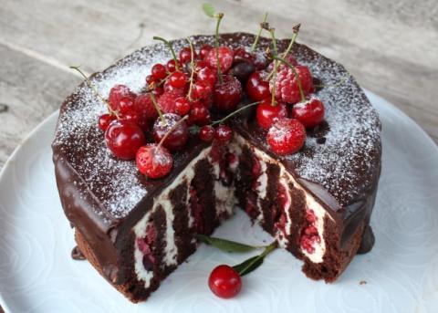 Fantastická čokoládovo - ovocná torta bez múky - recept postup 14